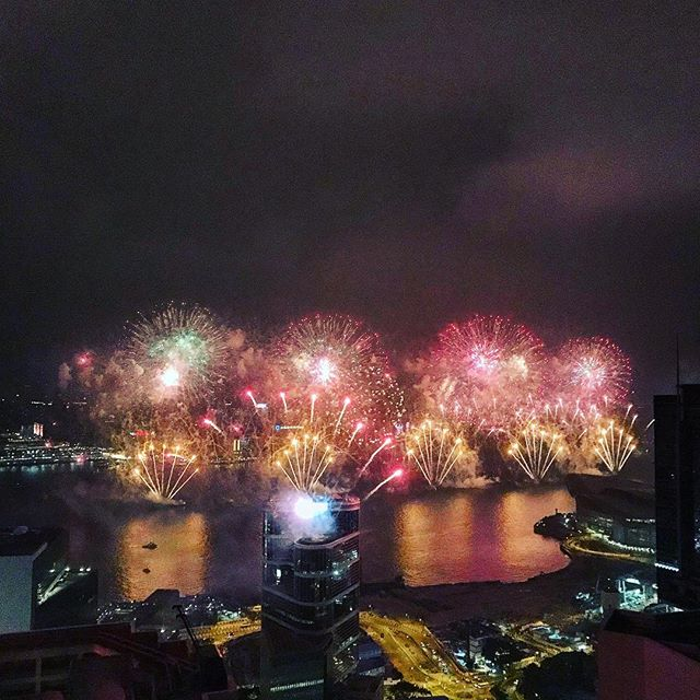 What a year 2017 has been! Happy New Year from Hong Kong and hope everyone has an amazing 2018! 🍾🥂🎉 #whereveryouland