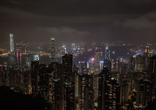 """Well surprise surprise we are behind on posts. We thought about putting together a """"best of 2017"""" slideshow, but it was just too hard...maybe when we are done and have had time to reflect a bit more. This past year has been beyond incredible and we wrapped it up in Hong Kong. Easily one of the best skylines in the world. We had an amazing few nights here ringing in the New Year and are off to China tomorrow where instagram, etc are banned. Will see everyone in about 10 days when we get to Japan!! Once again, all the best for 2018! #whereveryouland"""