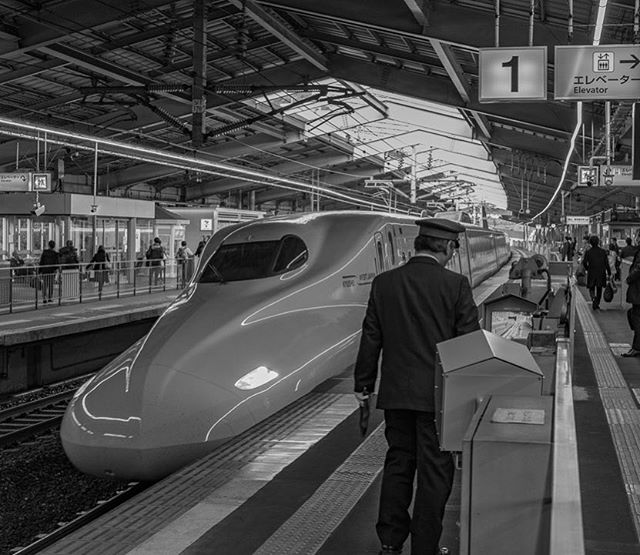 """The best way to travel around Japan: the Shinkansen. We got a 2-week rail pass and rolled around the country on these amazing """"bullet trains."""" Reaching max speeds of 200mph and rarely a second late, they put our trains to shame in the US 🤦♂️🚅🇯🇵 #whereveryouland"""
