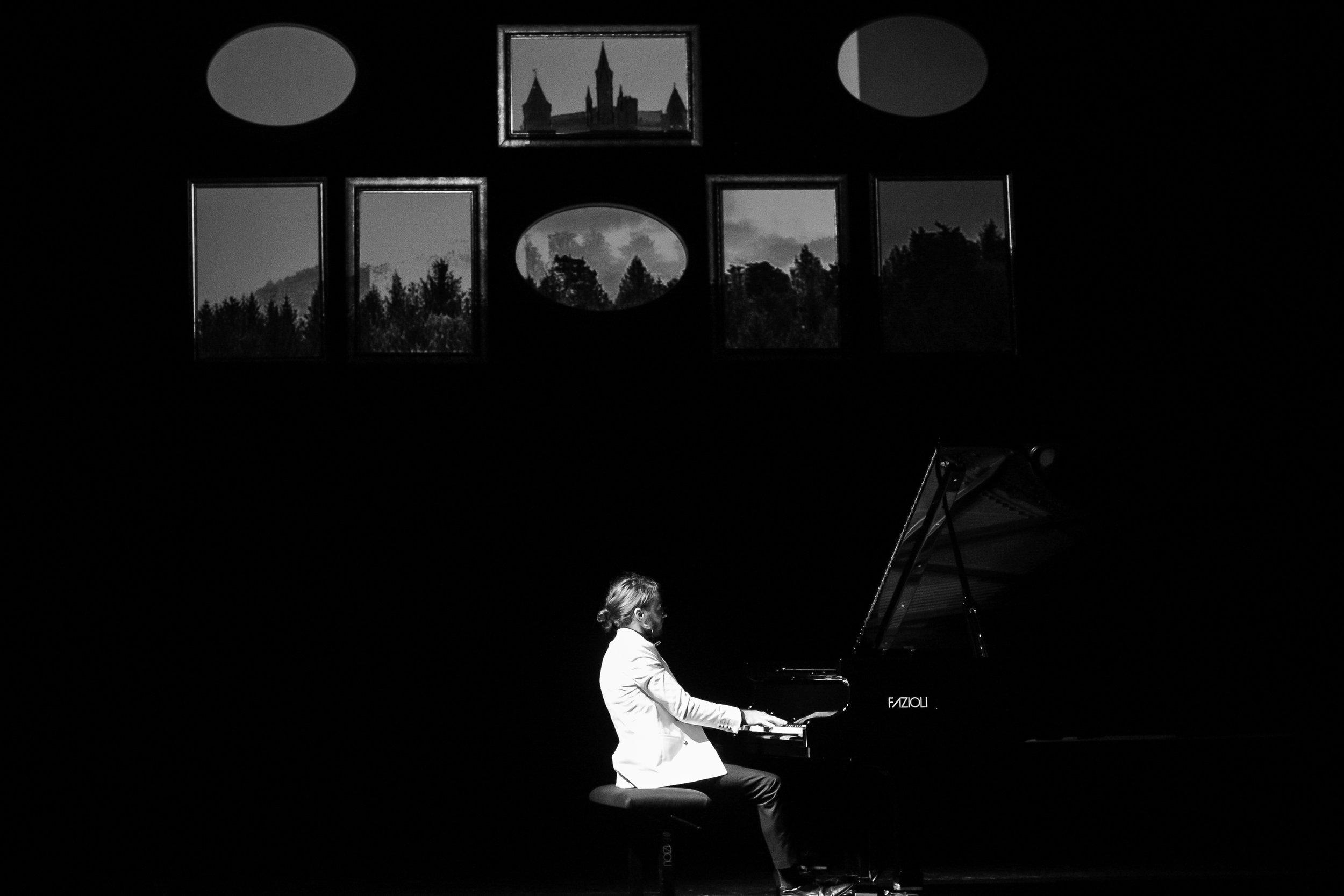 Piano (17 of 31).jpg
