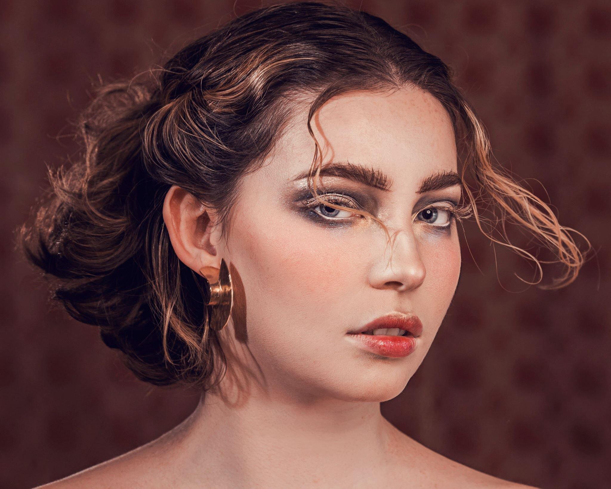 Photographer: Bernadette Newberry  Model: Alexis Fabish