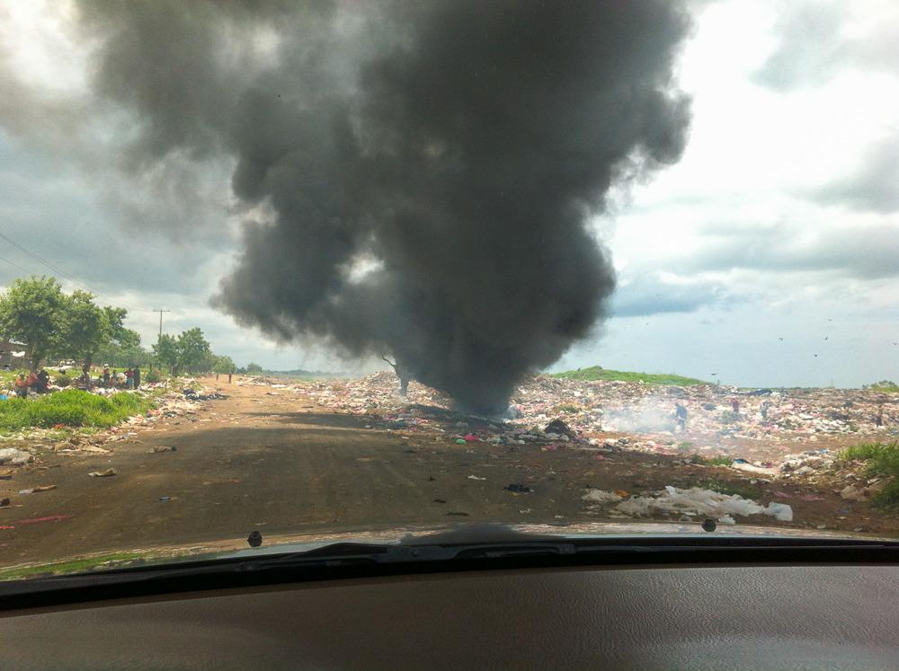 Cristo Rey landfill and dump always burns