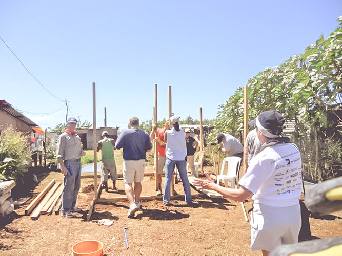 cristo-rey-home-building-blessing-family-giving=hope-new-life-nicaragua
