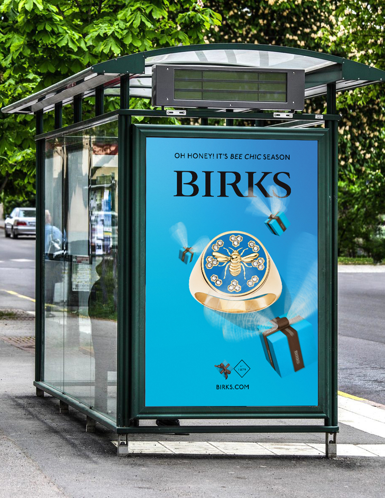 Conceptual advertising campaign for jewellery brand Birks (Bee Chic Collection) by Guillaume Briere, a creative director specialized in luxury brands based in Montréal and Toronto. On-model and still life photography.