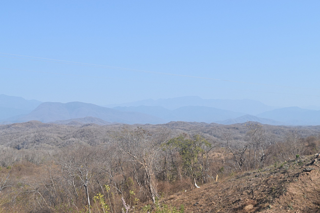 The beautiful mountains that lined the roads from Huatulco to Zipolite.