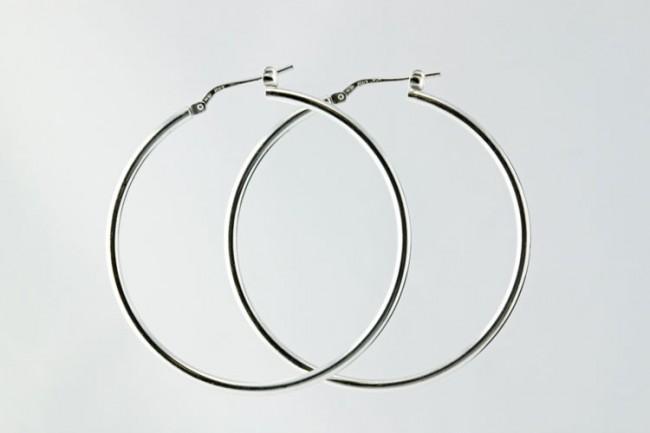silver-hoop-earrings-4174-e1331468727186.jpg