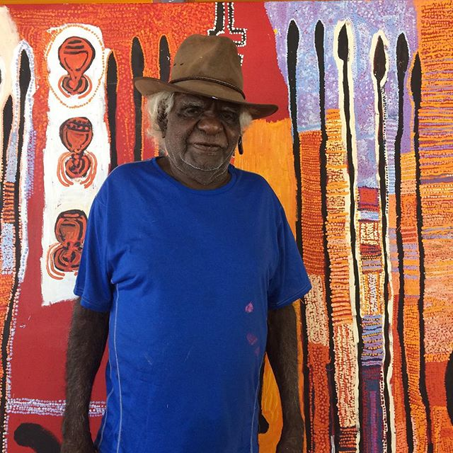 Wati wiru Brenton!! Brenton Ken and the Tjala men's collaborative for the upcoming Weapons for the Soldier exhibition, on later this year! @apy_ac_collective @hazelhurstartscentre 💥💥💥#weaponsforthesoldier #wfts18
