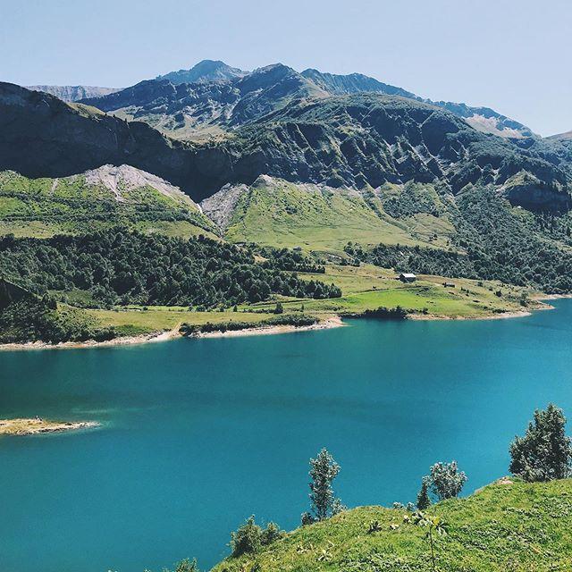 Chaque week-end c'est une nouvelle découverte dans ce terrain de jeu☀️👌 #beaufort #coldelalauze #beaufortain #montagne #alpes #savoie #lacderoselend #savoiemontblanc #trailrunning