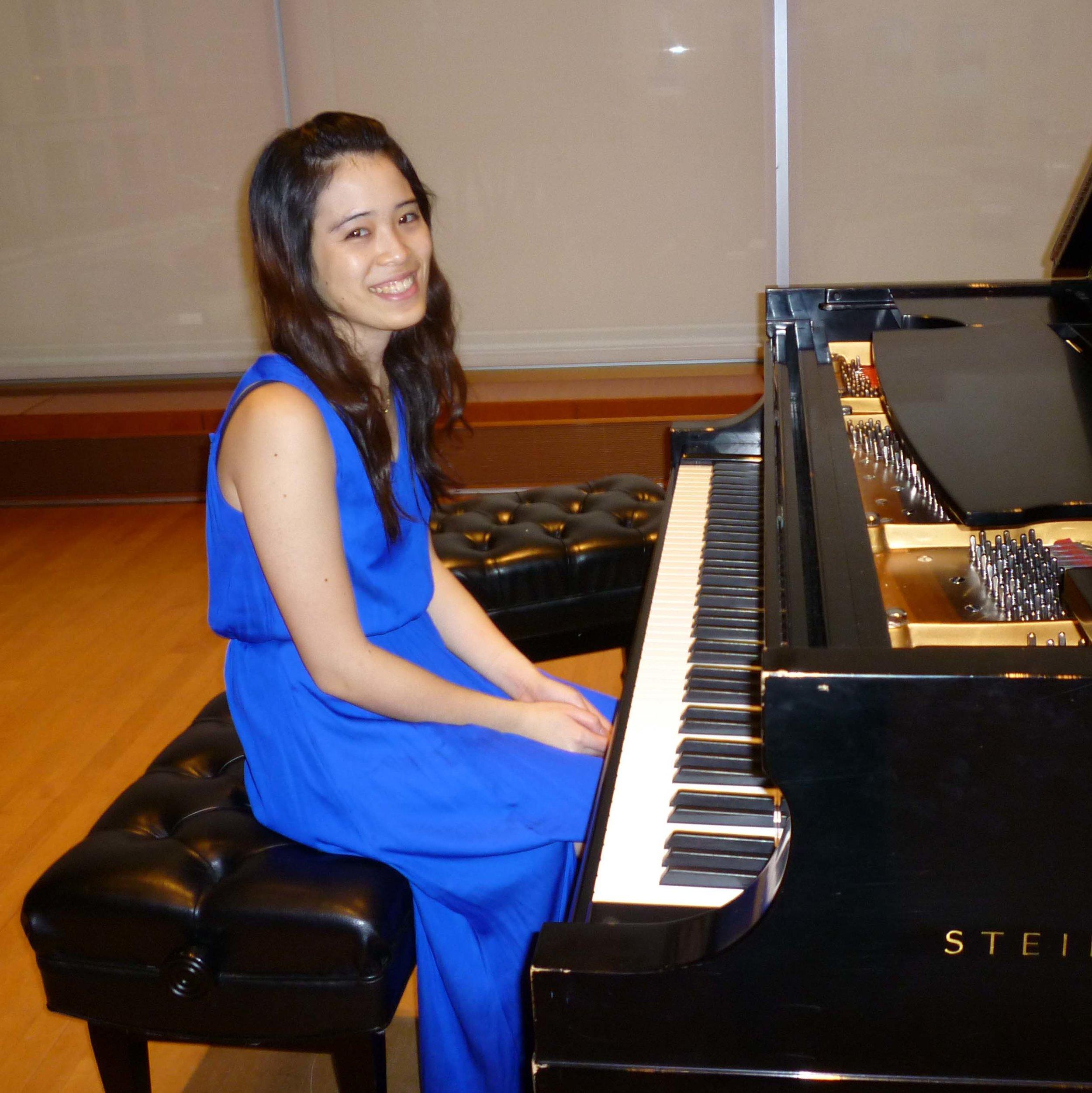 Alison Lee, piano