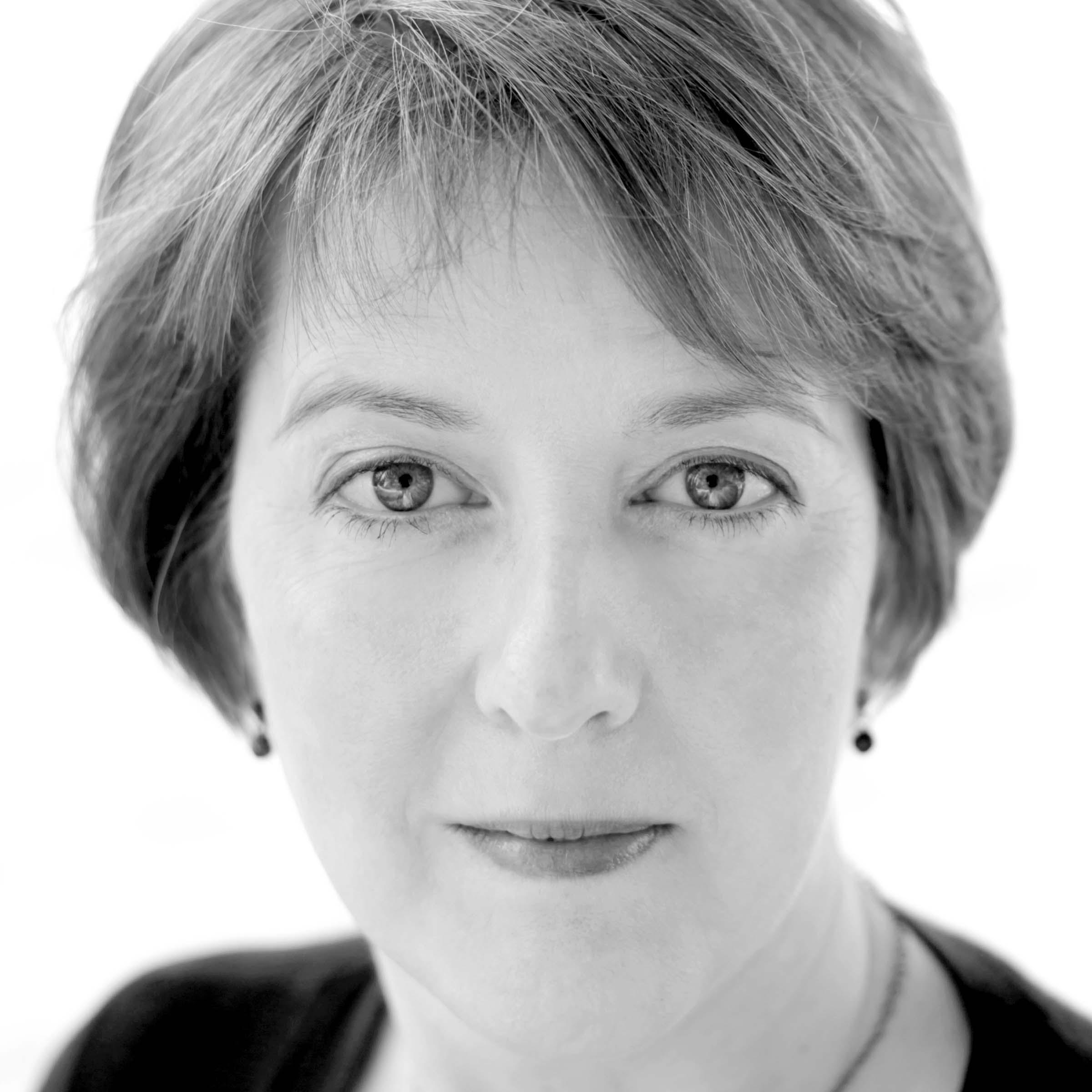 Monica Murray , soprano