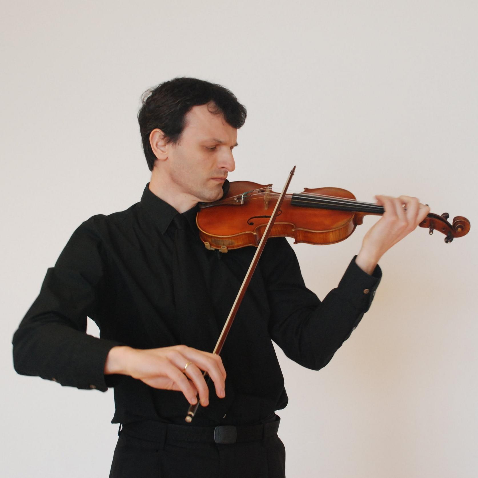 Dragan Stojkovic,  violin