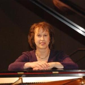 Nancy Paddleford,  piano