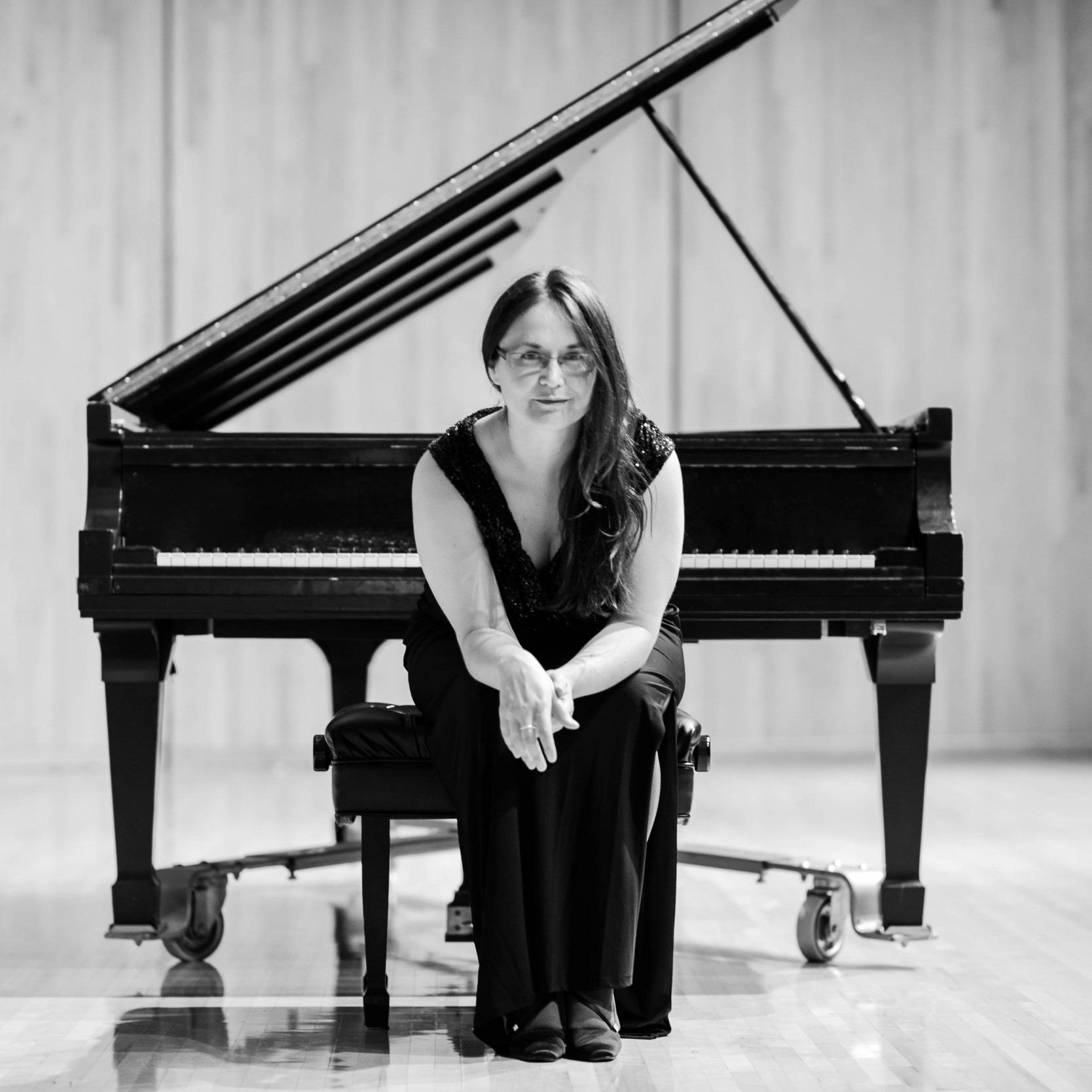 Ann DuHamel, piano