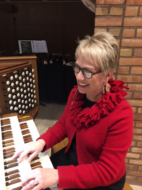 Carolyn Diamond, organ