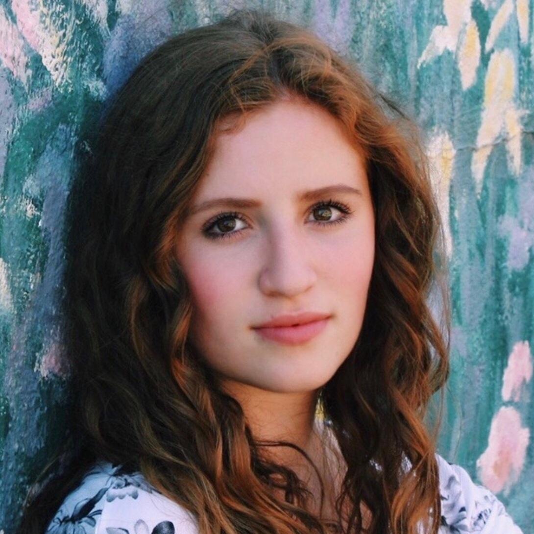 Sara Shiff,  soprano  Young Artist Scholarship Winner 2019, 1st Place High School Voice