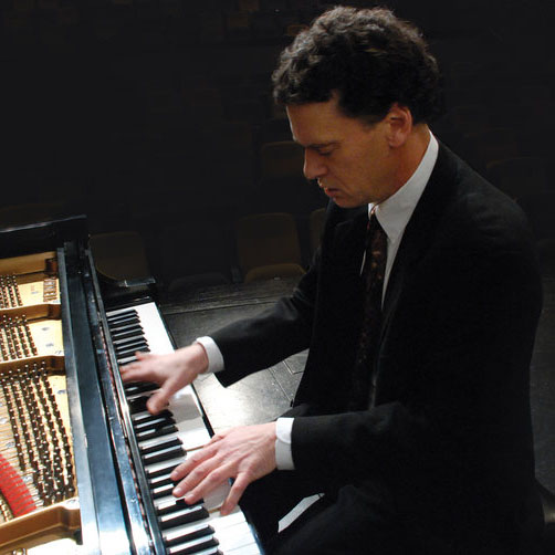 Elliot Wilcox, piano