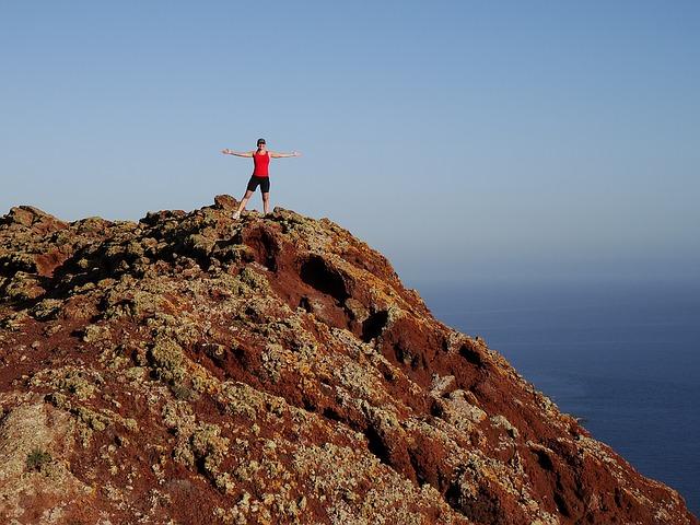2-climbing-to-the-top-2125149_640.jpg