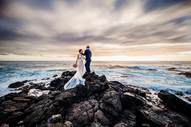 Been awhile!! I'm back on here and I'm going to be throwing photos up here a lot!!! Hope everyone is having a great weekend!! @epicislandweddings  @beautyluxsalonhawaii  @hawaiisav . . .  #hawaii #sunset #sunsetwedding  #hawaiiphotographer #bigislandweddingphotographer #hawaiiweddingphotographer #weddingday#weddingmoments #weddingceremony #weddingstyle#weddingfashion #bridalfashion#bridesmag #weddinginspirations #weddingdetails #ig_oahu #weddingideas#weddinginspo #hiweddings #destinationwedding #theknot #tenba #teamnikon