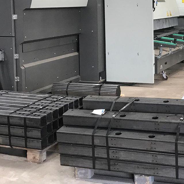 150x100x6RHS & 100x100x6SHS Processed on our tube laser #blmgroup#lt8fiber #tubelaser #lasercut