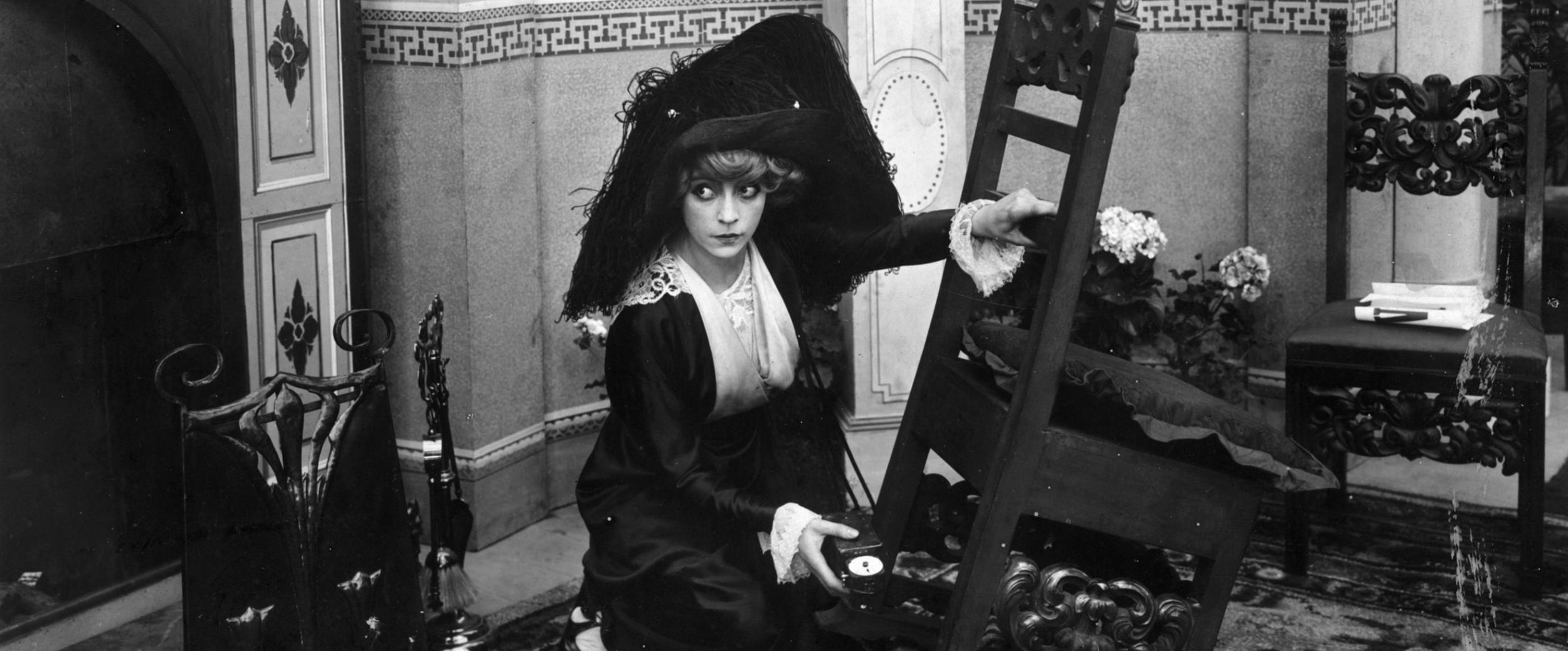 Suffragette_hatavara.png