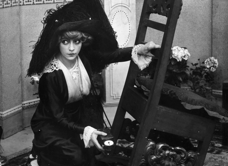 Asta Nielsen Urbam Gadin elokuvassa  The Suffragette .