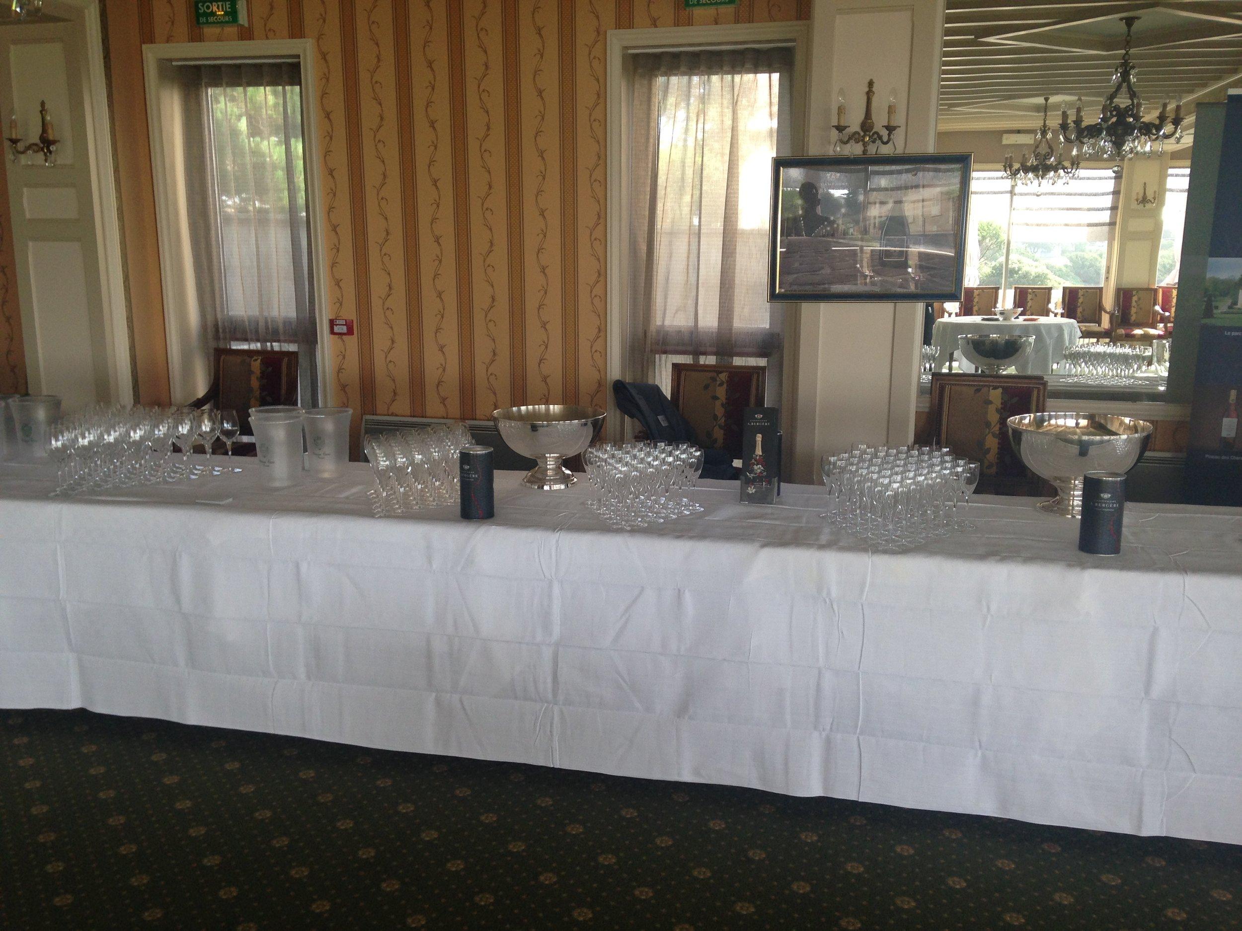 - Dégustation Champagne A.Bergère Sélection en magnums,Muscadet Château de Chasseloir et Comte Leloup.