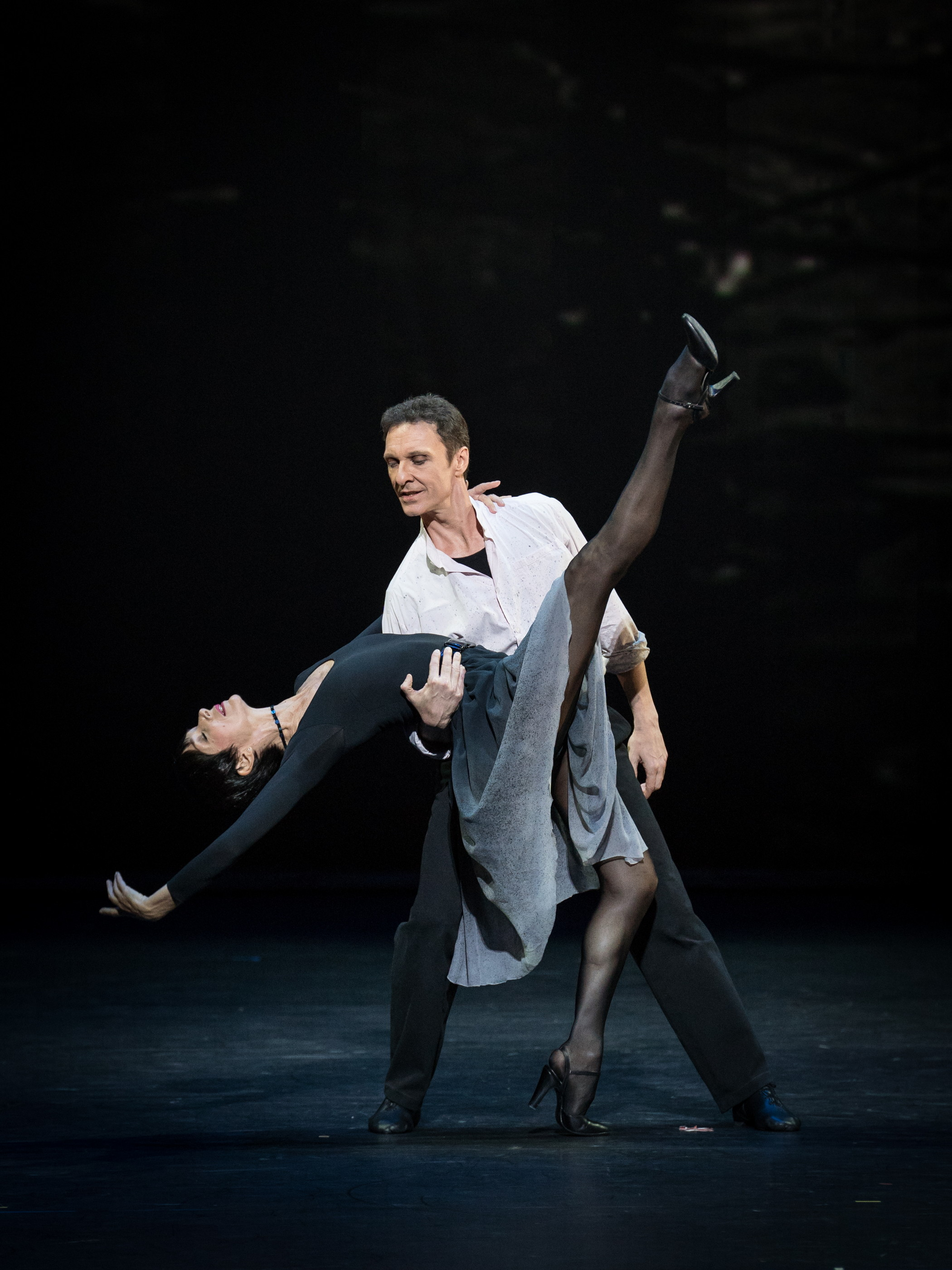 Isabelle Guérin and Manuel Legris. Copyright: Vienna State Ballet/Ashley Taylor