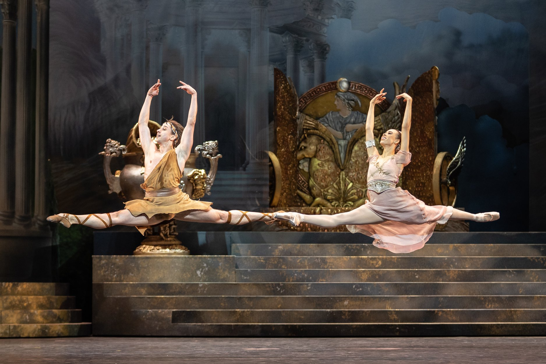 Copyright: Vienna State Ballet / Ashley Taylor