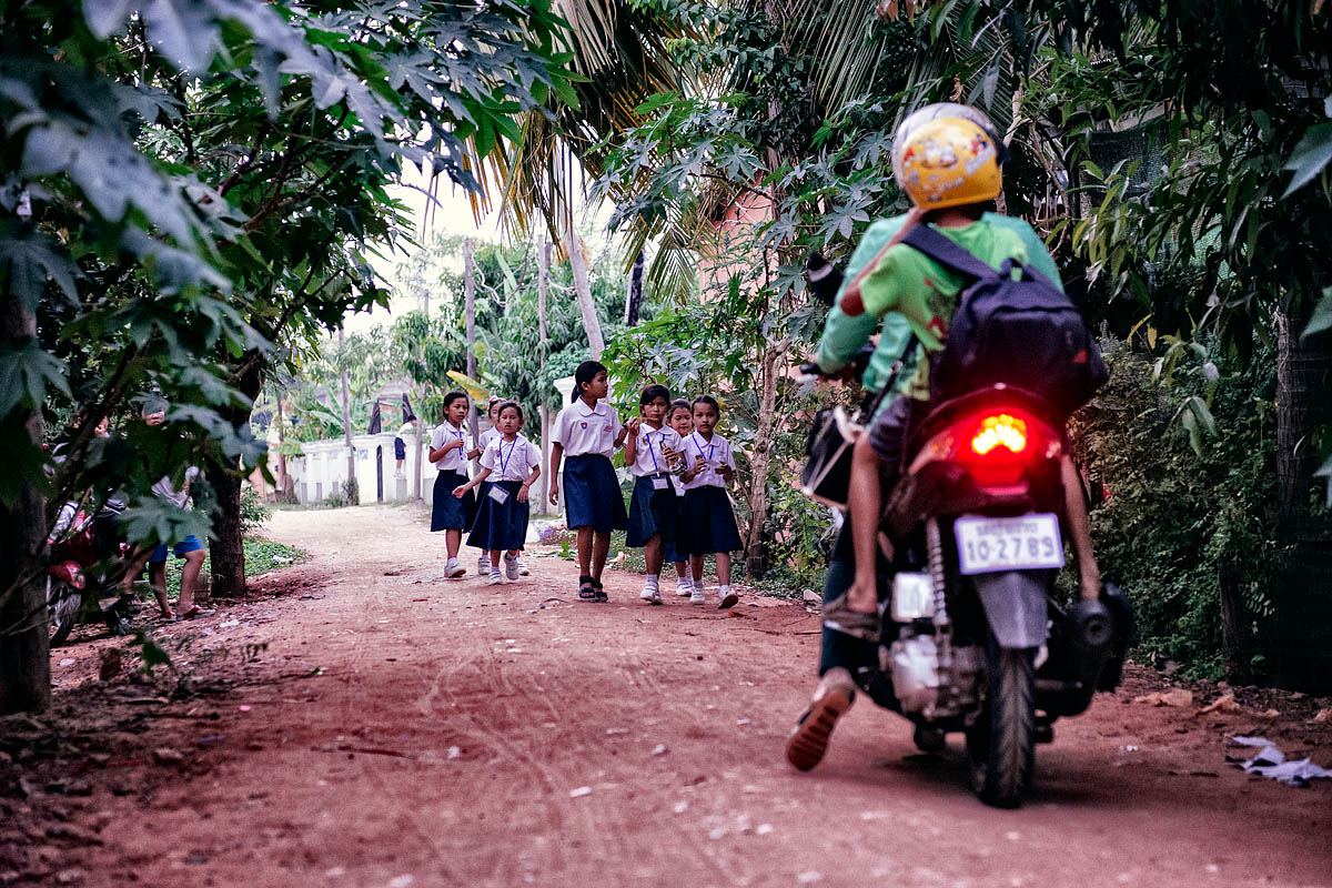 Children get home from school