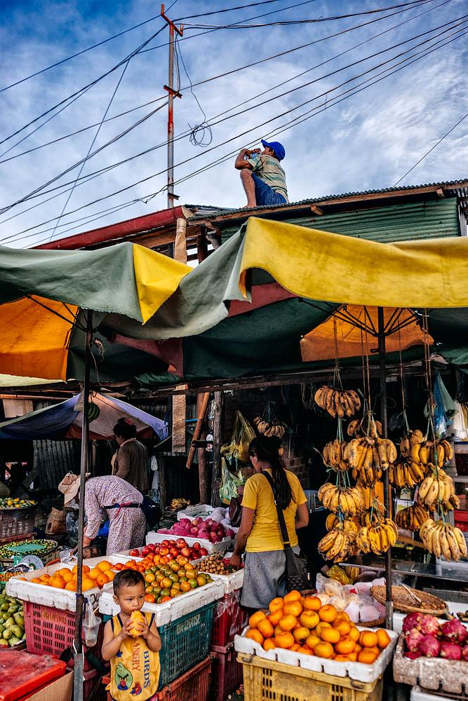 The Phsar Leu market