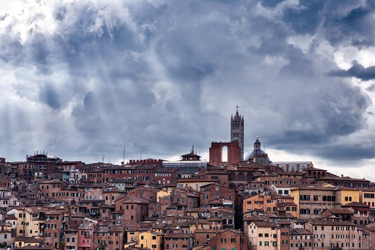 Light rays on Siena