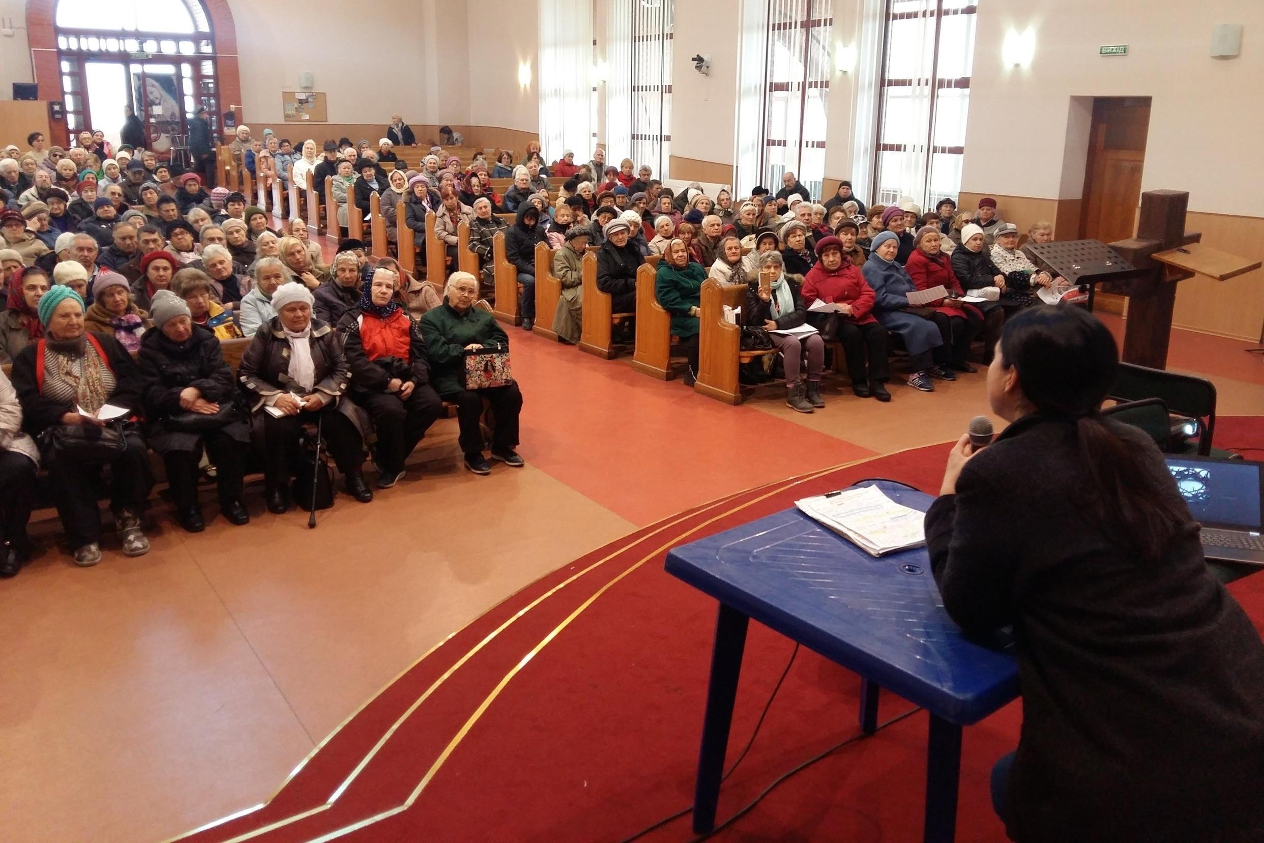 Lena Teaching Widow's Bible Class