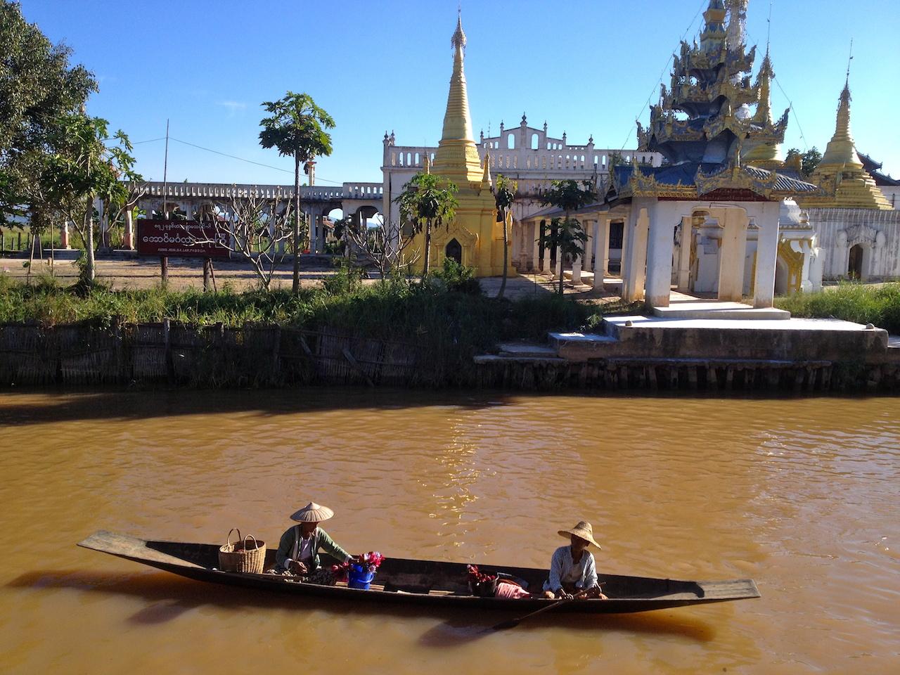 myanmar_inle-lake-boat.jpg