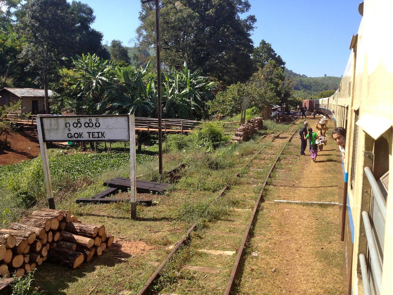 myanmar_hsipaw_train-ride-gokteik.jpg