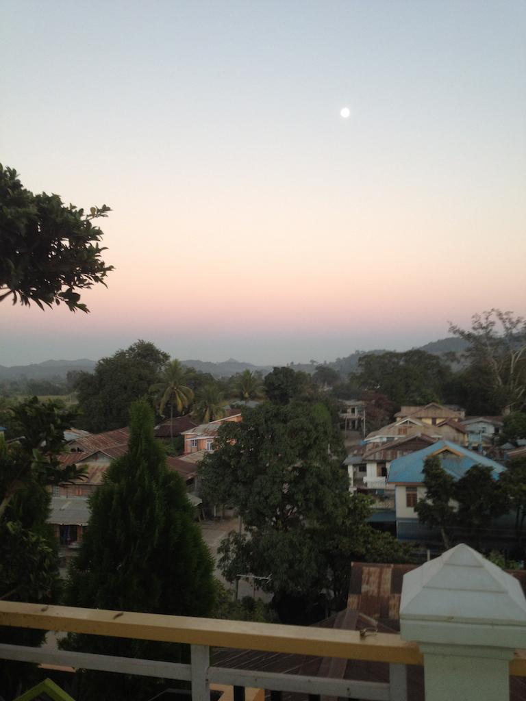 myanmar_hsipaw_lilythehome-terrace.jpg