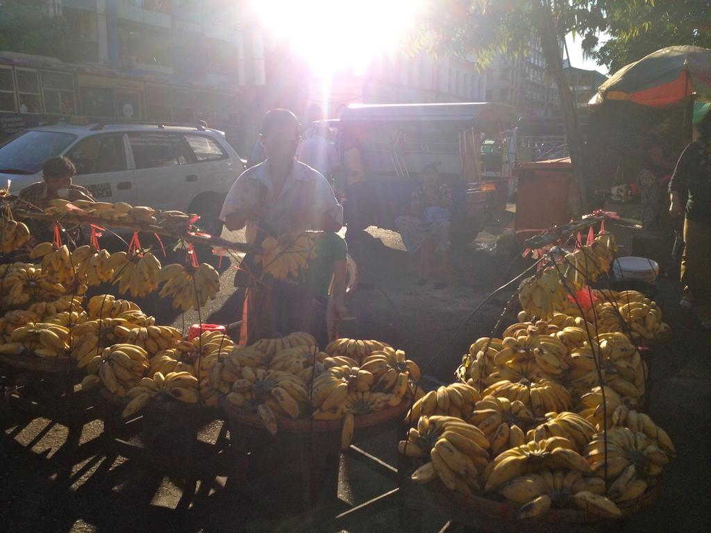 myanmar_yangon_street-market-fruits.jpg