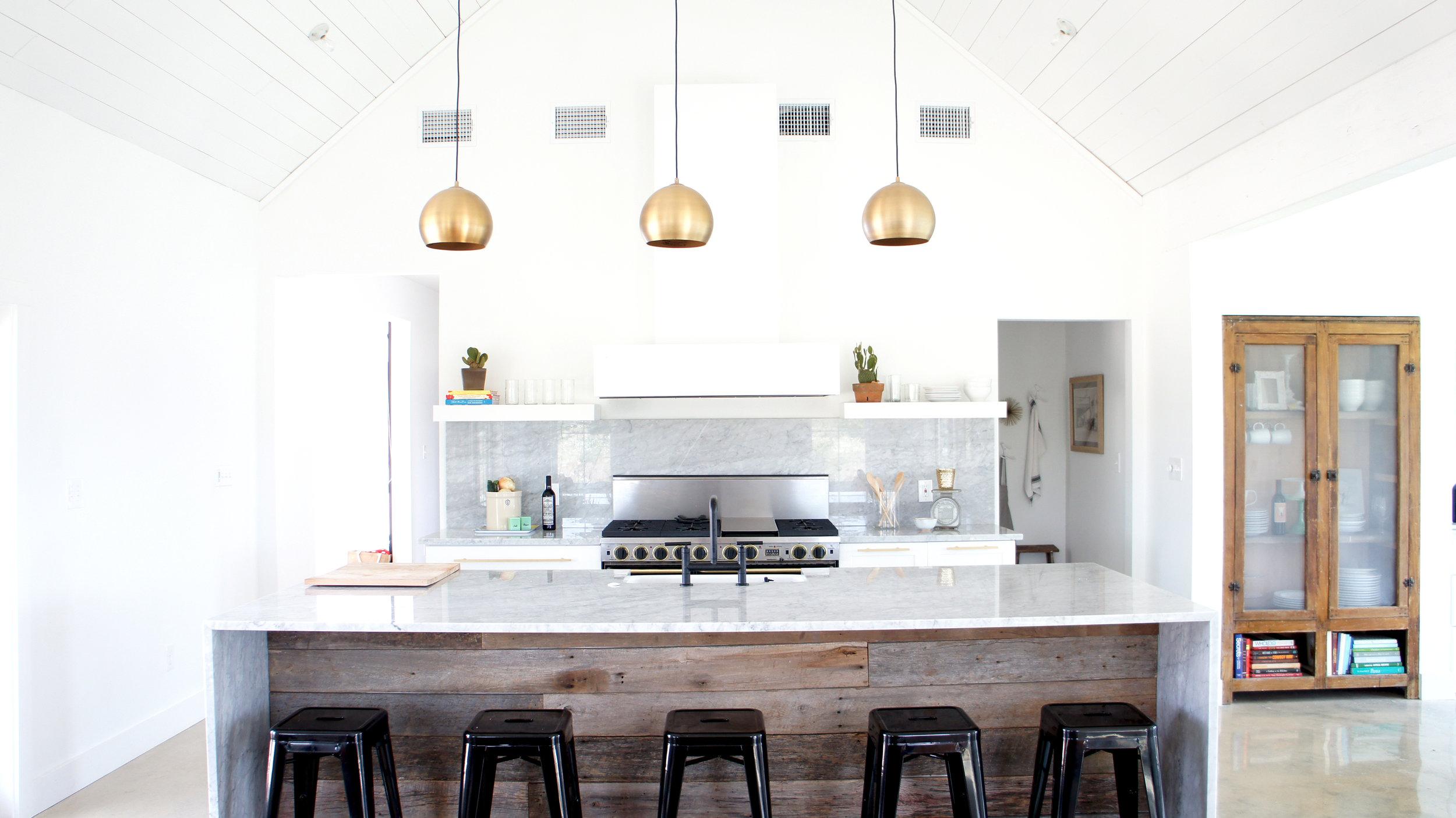 modern farm house kitchen design .jpg