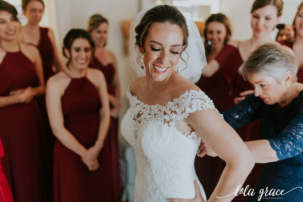 Beautiful Michelle getting ready for their first look.