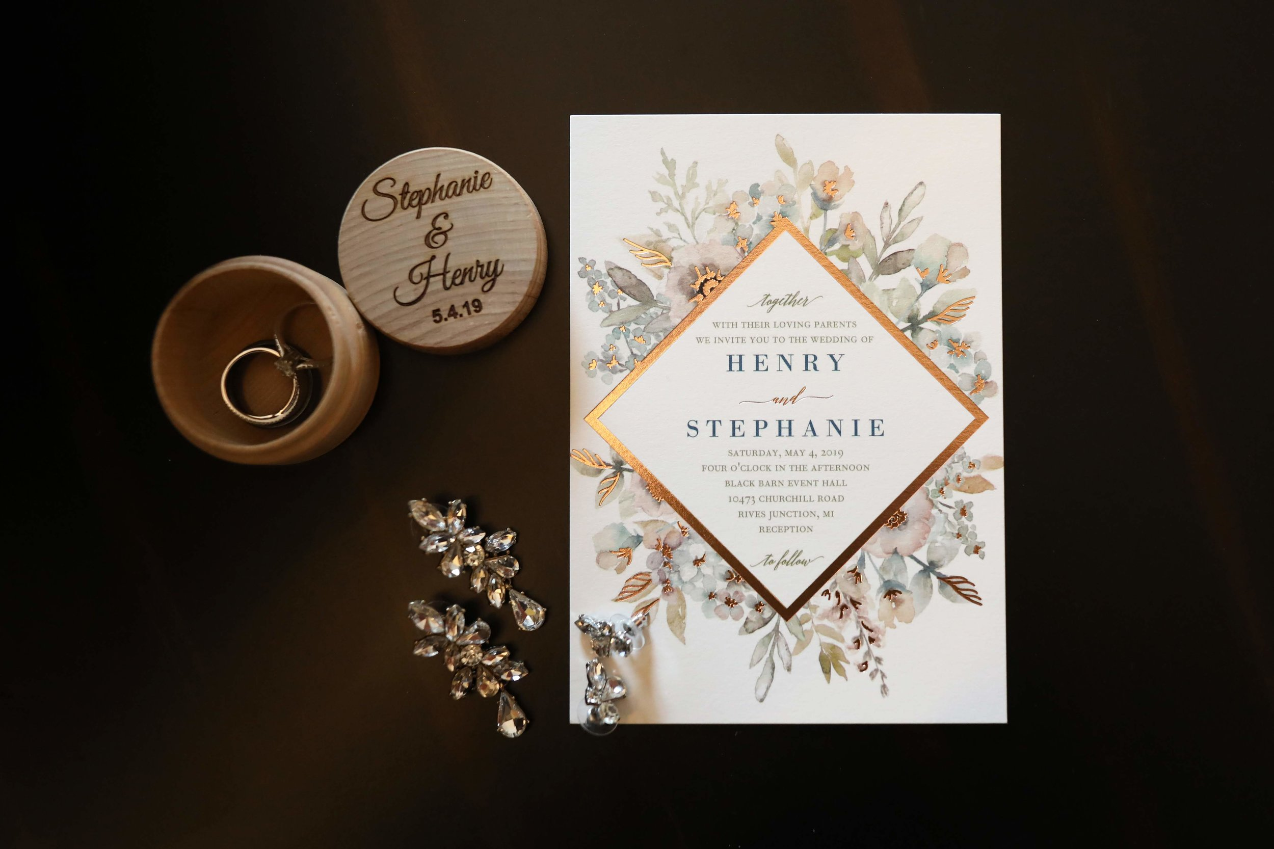 Such a beautiful invitation for their spring wedding look.