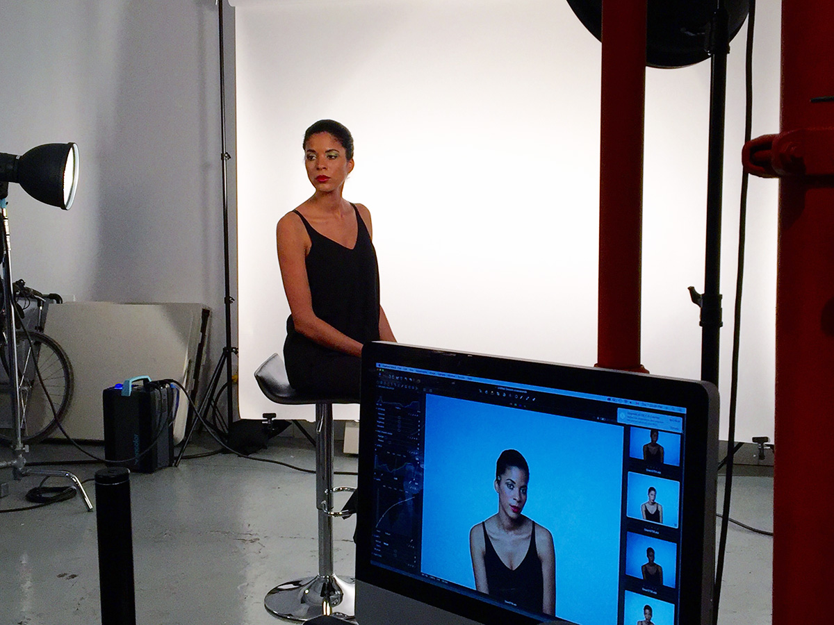 The live demo of the XF system in use. Broncolor 2-light setup.