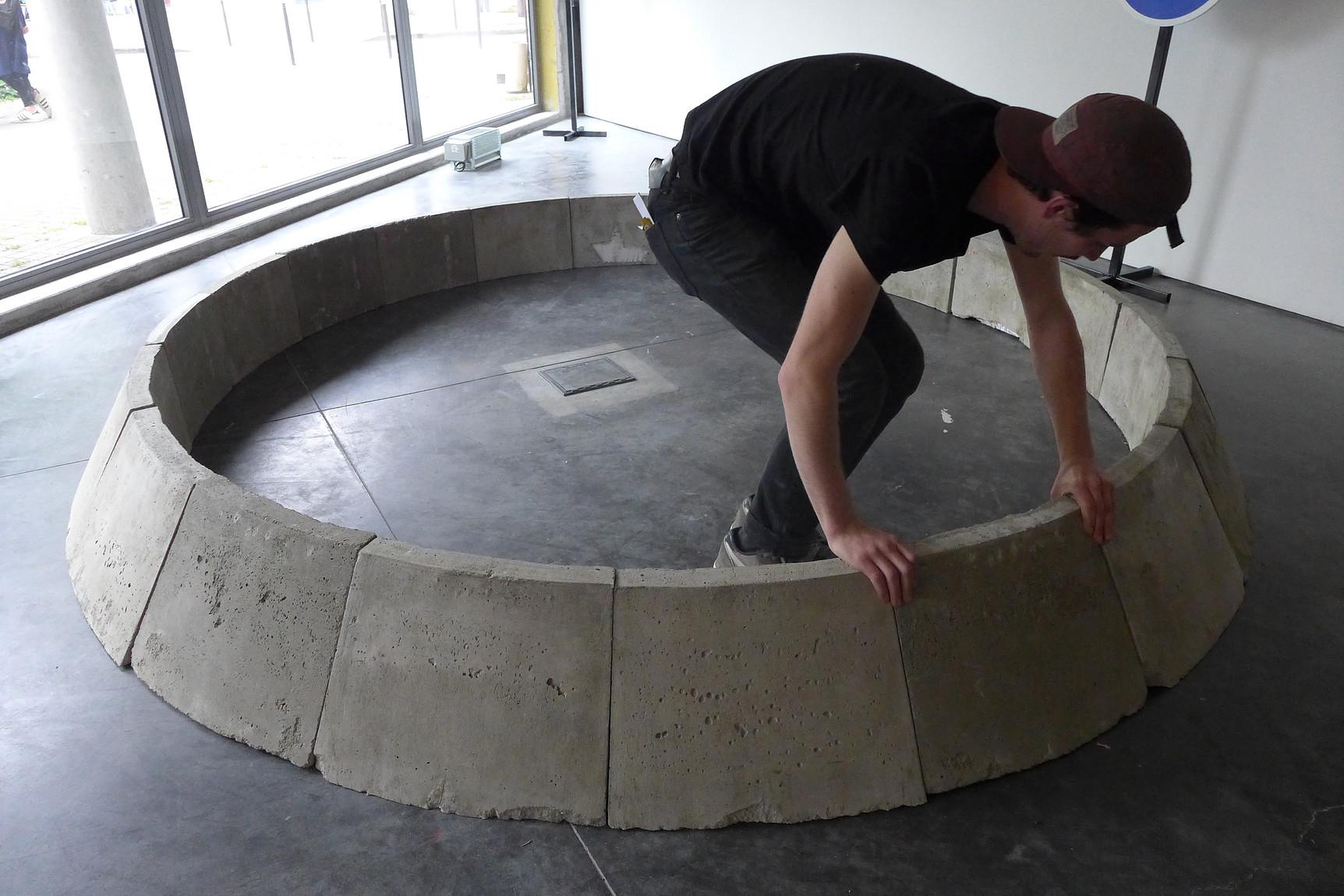 Antonin Gerson,  La construction du rond-point , Exposition Climax, Galerie François II, Nantes, France, 2016