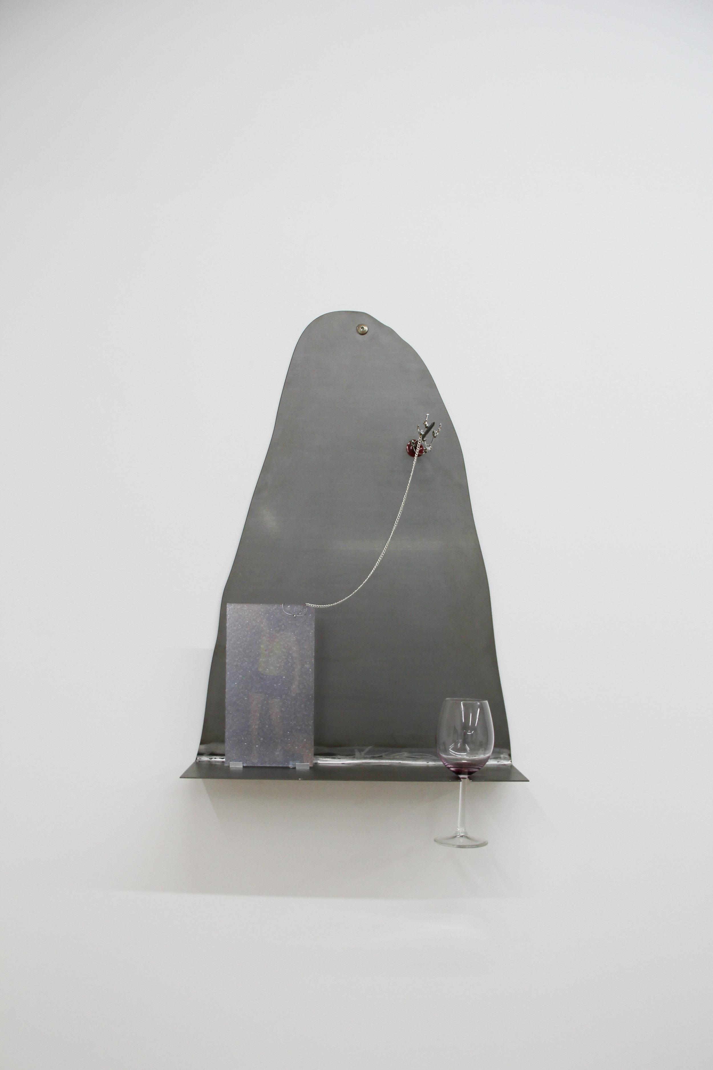 François Durel & Fleur Dujat, Whr u at Angel ?  2018, plaque de métal, verre, photographie