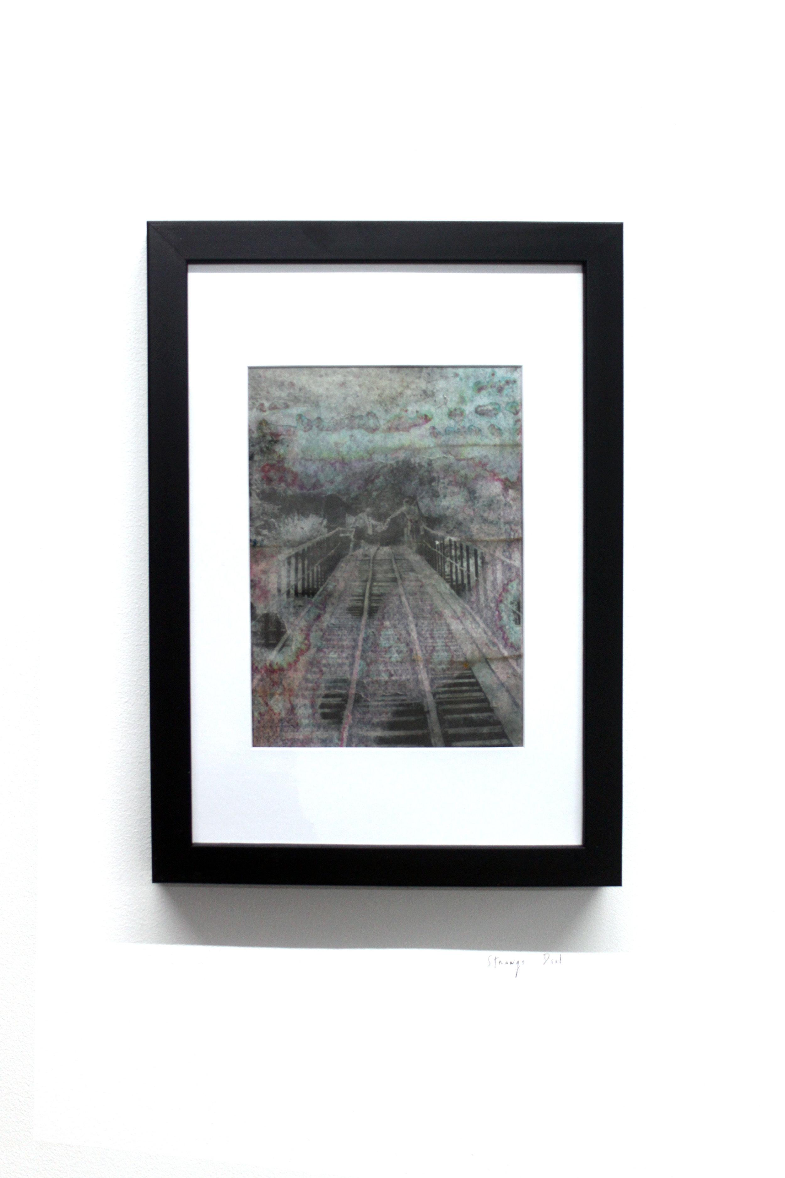 Edouard Burgeat, Train rails acid fragments, Strange deal, photographie argentine transférée sur acier, 21x15cm