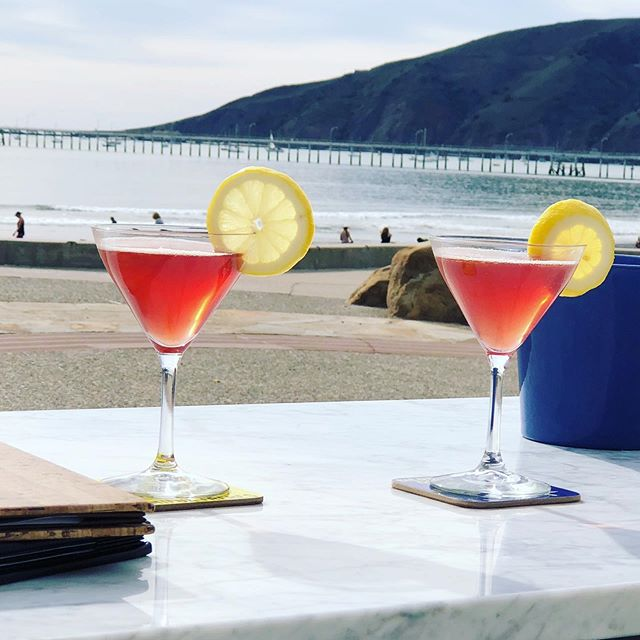 🍺🥂🍷Happy Hour at #bluemoonoveravila Monday thru Thursday - 2 to 5 pm. Enjoy $2 off wine, beer, and cocktails and $3 off appetizers. Views of #avilabeach are free. 😍 Also tonight, July 31, live Jazz 🎺🎼with James Gentry as he performs his classic French, American, and Gypsy Jazz.