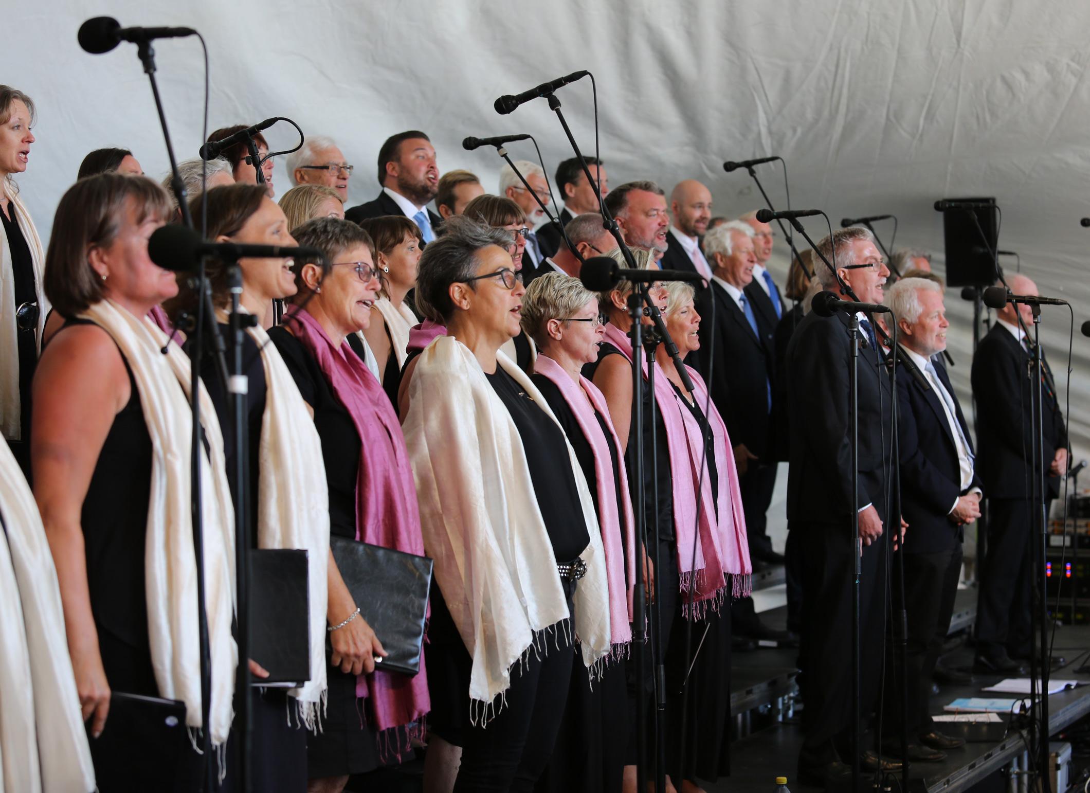 Sofiero 6 juni 2016. Vi sjunger för kungen och drottningen på Sofieros 150-årsjubileum.
