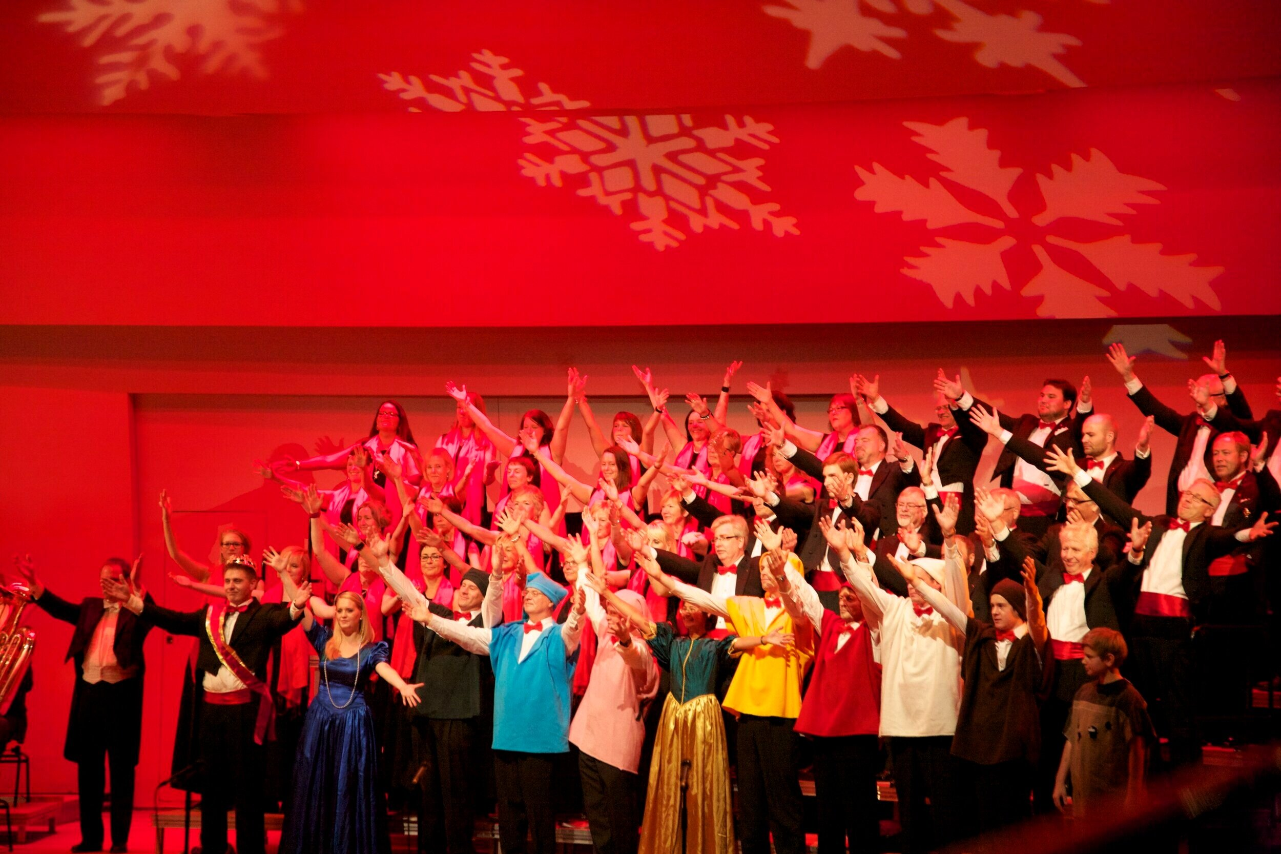 ChristmasCarols2010_Photo09.jpg