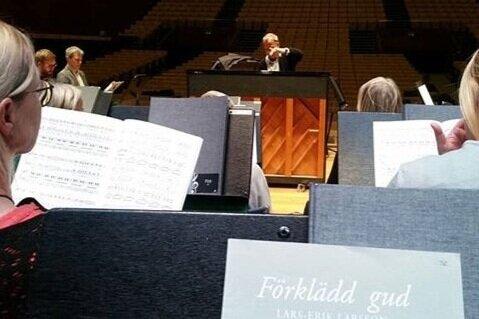 """Vårt nästa uppdrag : """"Förklädd Gud""""  27e april med HSO #förkläddgud  #konserthuskören  #helsingborgskonserthus"""
