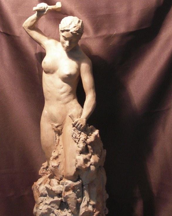 """""""Mujer tallándose a sí misma"""" . . . . #uruguay #art #arte #sculpture #escultura #masoneria #artistsoninstagram #modelado #artgallery #galeria"""