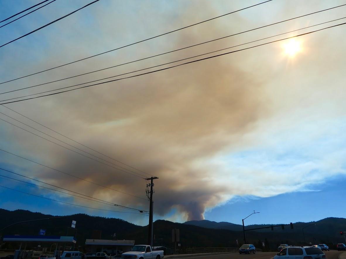 Hendrix Fire smoke plume; photo credit, Brodia Minter