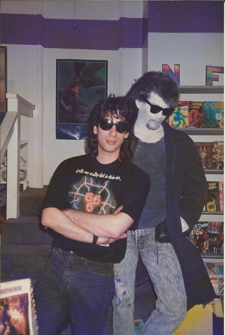 Neil Gaiman (r), Tom Vernale (l) as Dream
